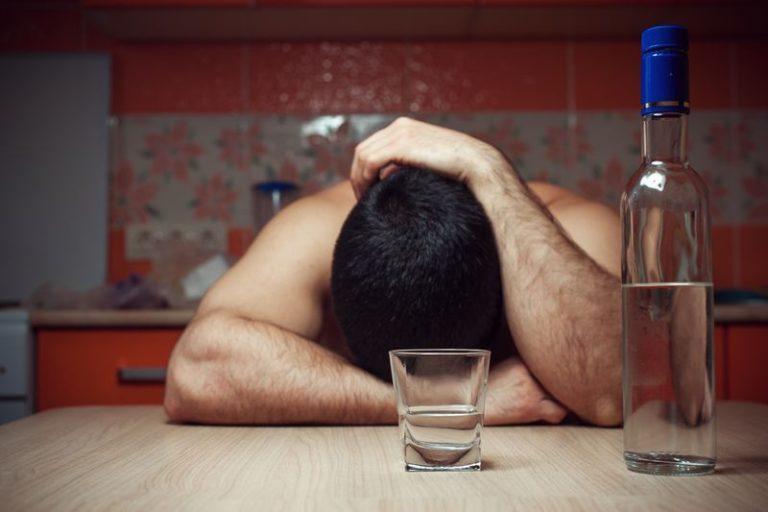 Как и чем лечат алкоголизм в домашних условиях без ведома больного